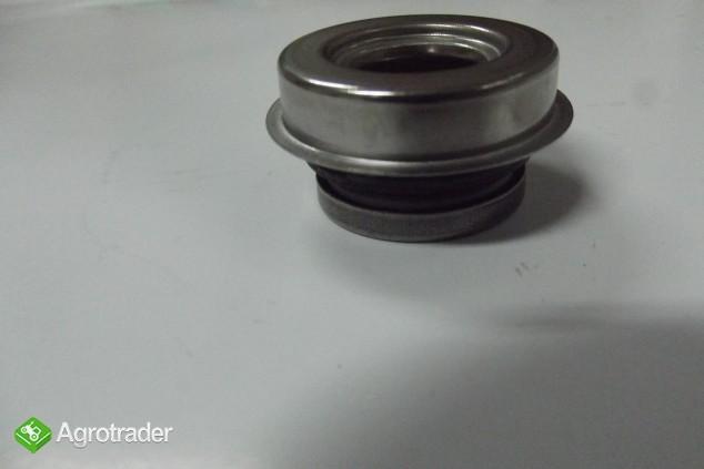 Reperaturka pompy wody MF 3 - zdjęcie 2