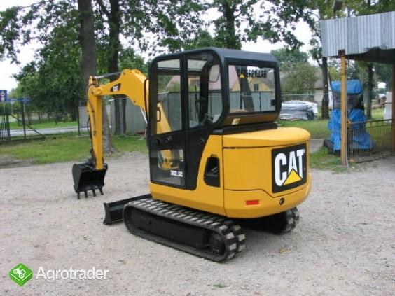 Sprzedam koparkę CAT 3025 C z 2010 roku - zdjęcie 1