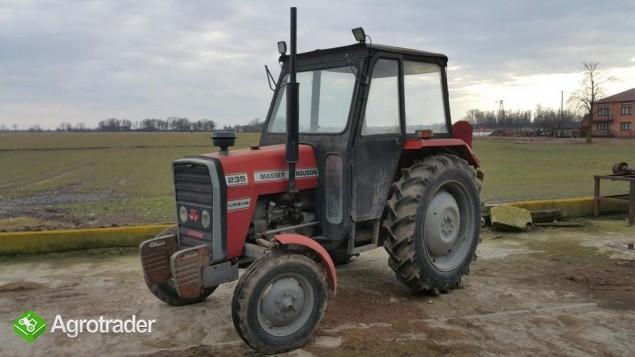 Ciągnik rolniczy Massey Ferguson 235