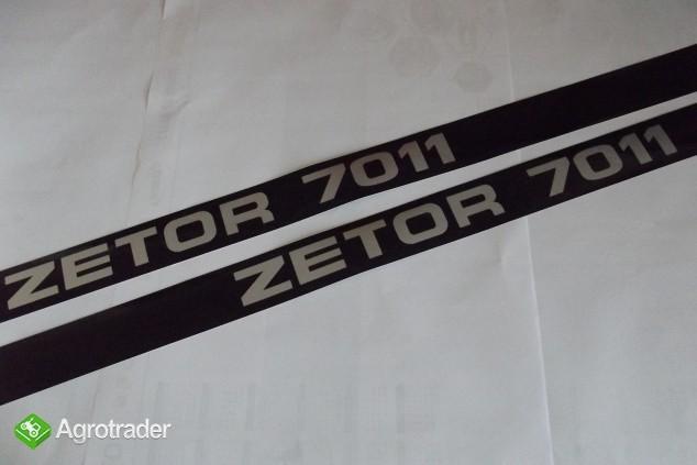 Emblematy maski silnika ZETOR 7011 KOMPLET.