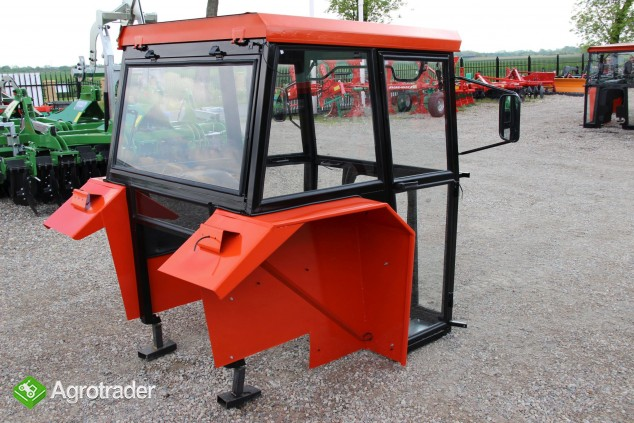 Kabina ciągnikowa do ciągnika MF 235 255 LUX z błotnikami CE - zdjęcie 5