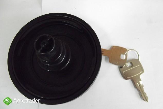 Korek wlewu paliwa z kluczykiem ZETOR 3321-7341 Super,Proxima,Forterra - zdjęcie 1