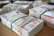 Pożyczka pieniężna między poważnymi ludźmi