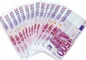 Oferuje pożyczki pieniężne w wysokości